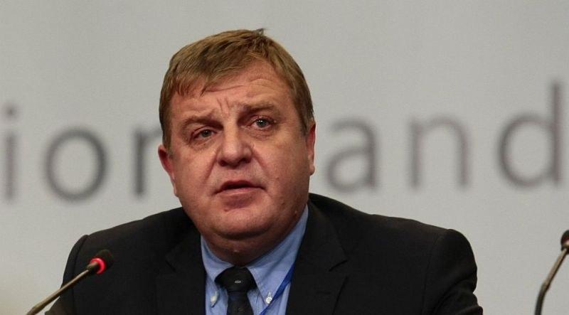 Каракачанов: Трябва да мислим за живота в държавата и след коронавируса