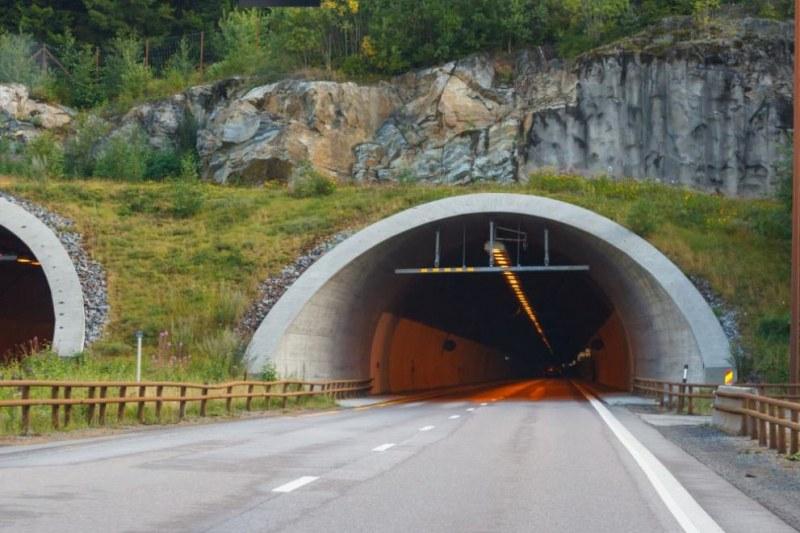 """Авария в тунел  """"Траянови врата"""