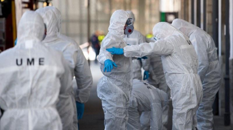 Още по-голям скок на жертвите на коронавирус в Испания, бум на заразените в САЩ