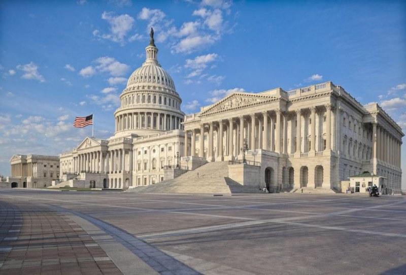 Решено: САЩ отпуска 2 трилиона долара за стимулиране на икономиката