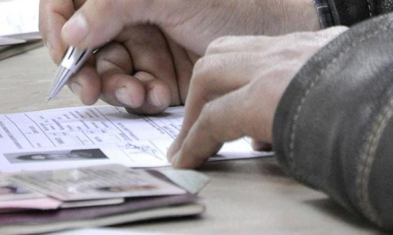 Удължават с 6 месеца валидността на личните карти и шофьорските книжки