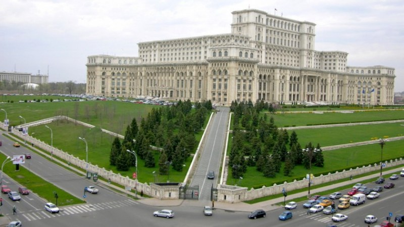 Всички жители на Букурещ ще бъдат тествани за COVID-19, клиника обяви, че има ваксина