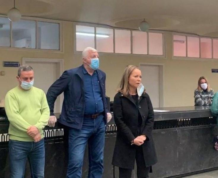 Каназирева: Спазвам разпорежданията, ако кметът реши – да затвори магазините по Главната