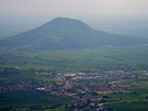 Градчето в Италия, което победи коронавируса
