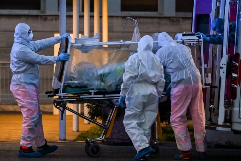 Ужас в Италия - 919 души загинаха за ден от COVID-19! САЩ гонят 100 000 болни
