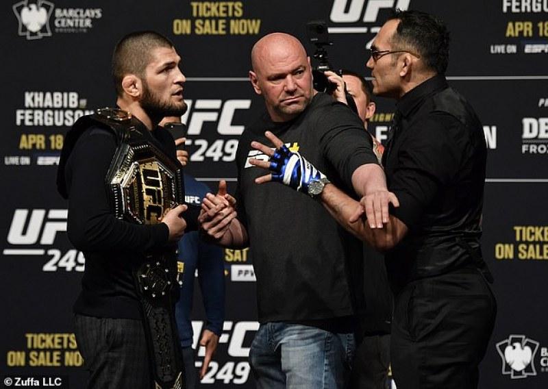 Босът на UFC категоричен: Няма да отлагаме мача Хабиб - Фергюсън