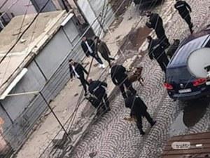 Полицаи с кучета атакуваха Столипиново, жителите на махалата отново са по улиците