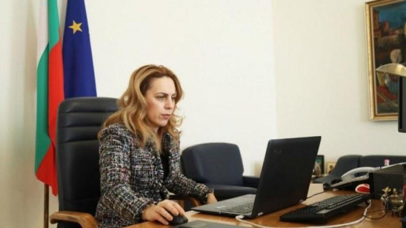 Тристранката се договори за компенсирането на фирмите, засегнати от кризата