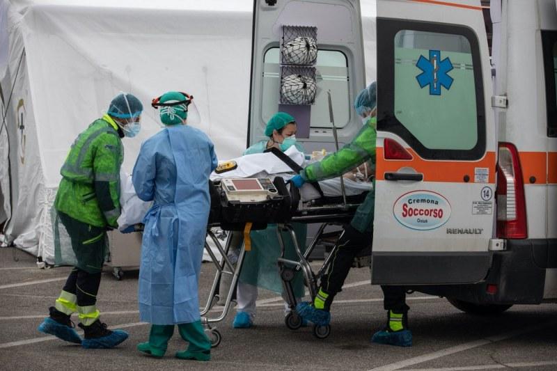 Ужасът в Италия няма край! 889 души починаха за 24 часа