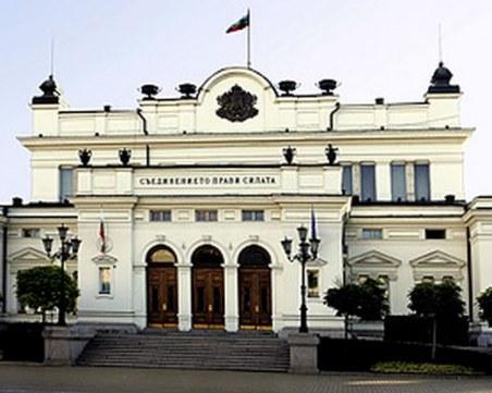 Хоспитализират Хасан Адемов, парламентът няма да е под карантина