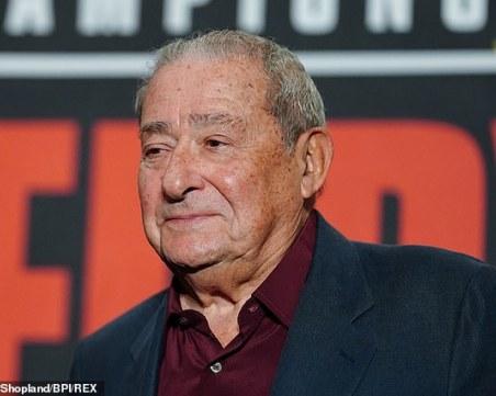 Промоутърът на Кобрата с остри думи срещу боса на UFC
