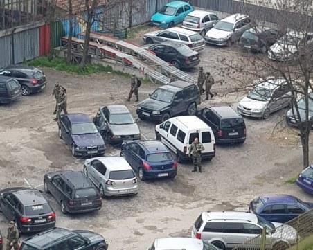 Военнослужещи от Пловдив погазват препоръките за социална дистанция