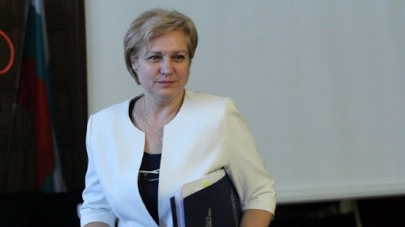 Менда Стоянова: Ще се наложи да удължим извънредното положение