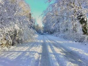 Снегът продължава! В части от страната преминава в дъжд