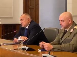 Борисов: Замразяваме депутатските заплати, даряваме половината