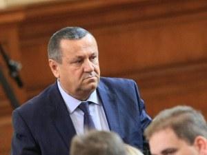 Съпругата на депутата Хасан Адемов също е заразена