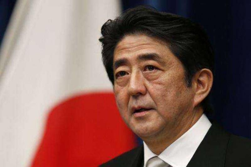 Задължителните маски станаха повод за гняв срещу премиера на Япония