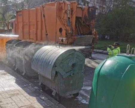 Повторно дезинфекцират контейнерите за смет в Пловдив