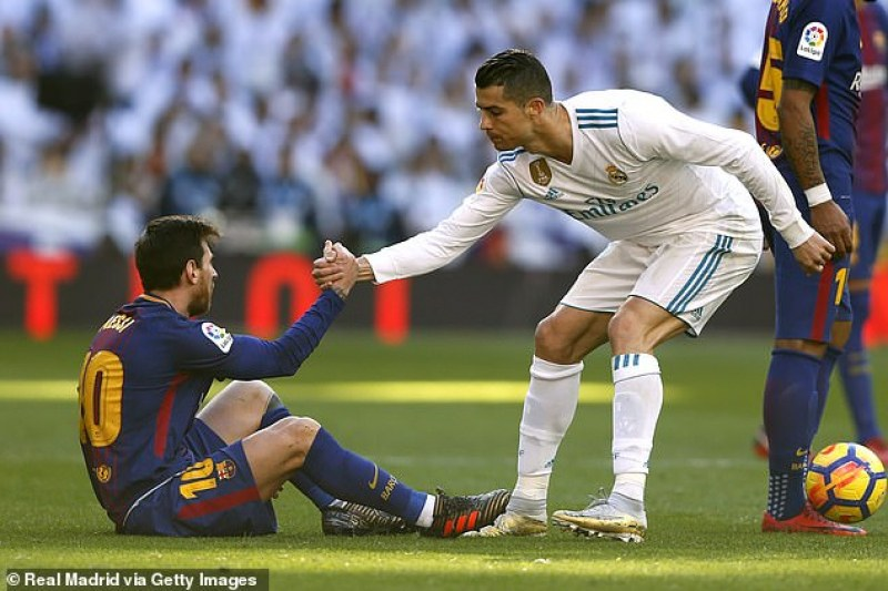 Меси или Роналдо? Легенди, треньори и играчи решиха вечния спор