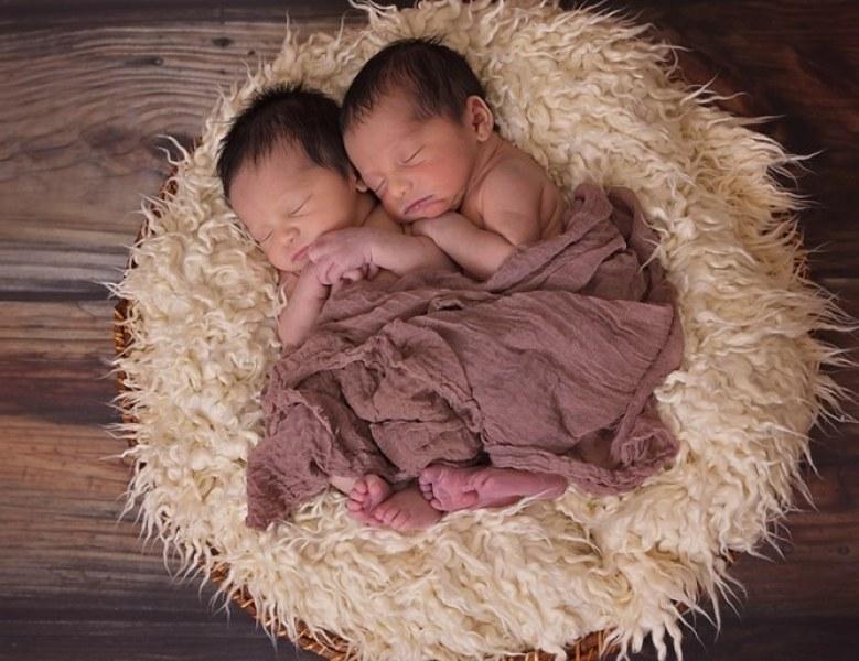 В Индия кръстиха близнаци Корона и Ковид