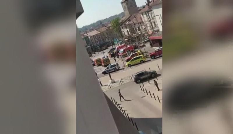 Мъж нападна с нож магазини във Франция, има две жертви