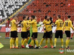 Ботев предлага нови договори на трима свои играчи