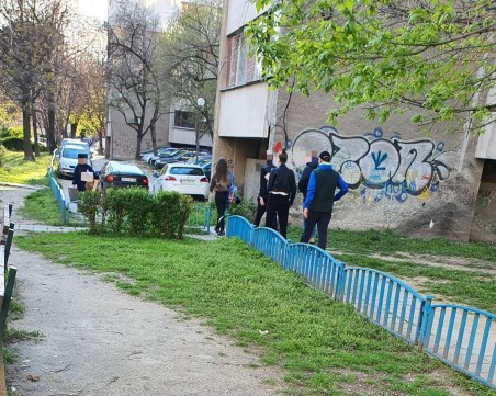 Безотговорно! Тийнейджъри се събират на групички в центъра на Пловдив, а глобите кой ще плати?