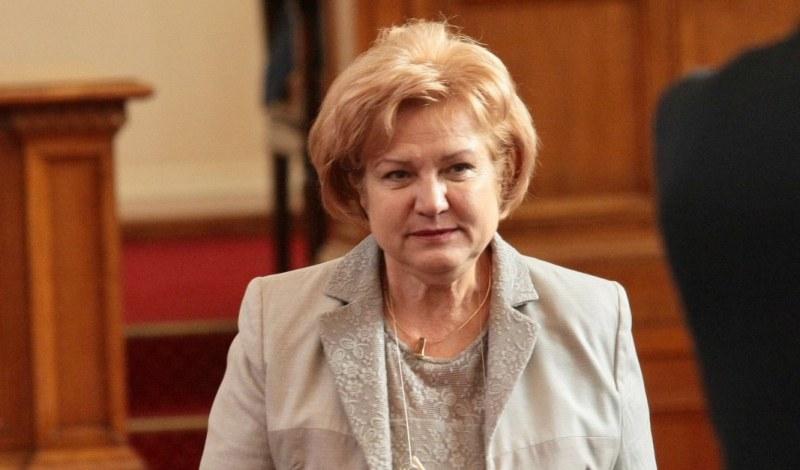 Менда Стоянова: Радвам се, че ще дарим нашите заплати