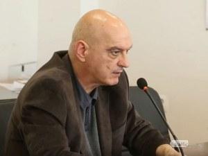 Д-р Христозов: Има 6 интубирани пациенти с COVID-19 в Пловдив