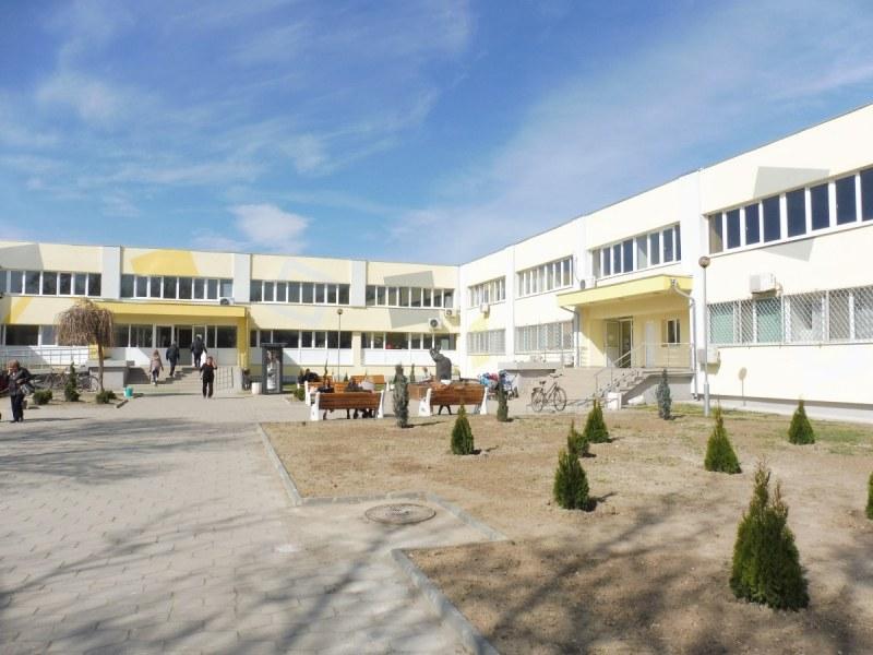 Дарение: Поликлиника край Пловдив се сдоби с два респиратора