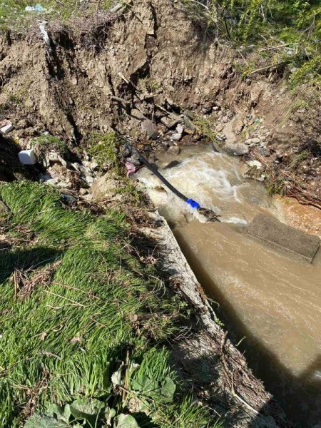 След дъждовете: Свлачище, наводнения и заляти мостове край Асеновград