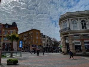 Пролетно време днес в Пловдив, градусите продължават да се вдигат
