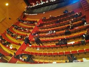 Нов скандал! Общинарите в Пловдив се обърнаха на 180 градуса за 5 минути за антикризисните мерки