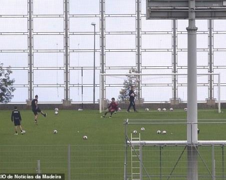 Роналдо наруши забраната - тренира