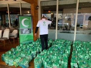 Хуманитарна организация дари хигиенни препарати на семейства в