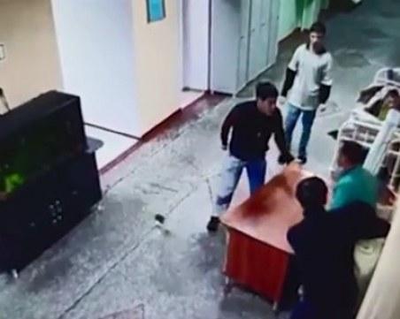 Шест пациента избягаха от психиатрична клиника, взеха мед. сестра за заложник