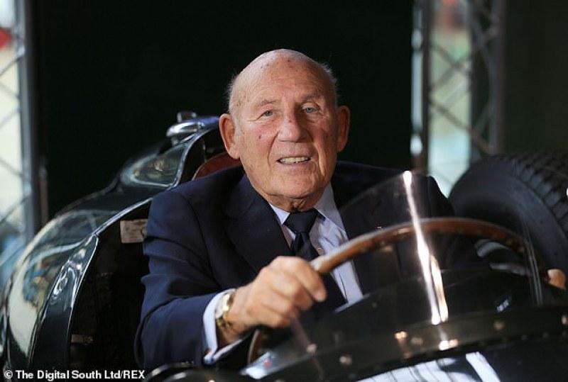 Почина легендарният Сър Стърлинг Мос