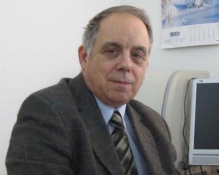 Пловдивски вирусолог: Кой от вас би се съгласил да бъде опериран от хирург без маска?