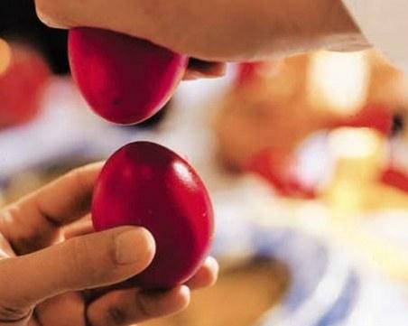 Вместо аплодисменти: Българи посрещат Великден с думите
