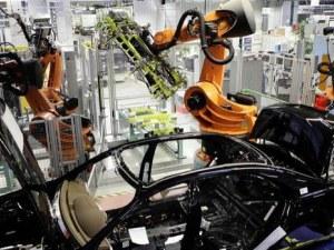 Автомобилните заводи в Испания се готвят да заработят отново