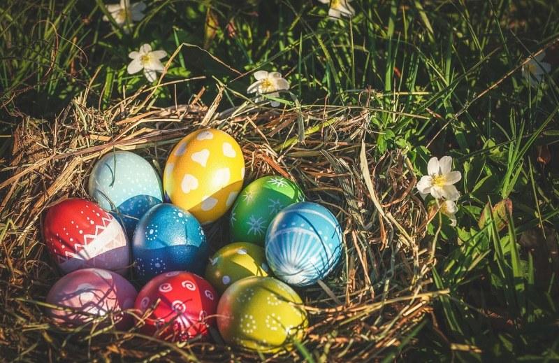 Велики четвъртък – днес се боядисват яйца