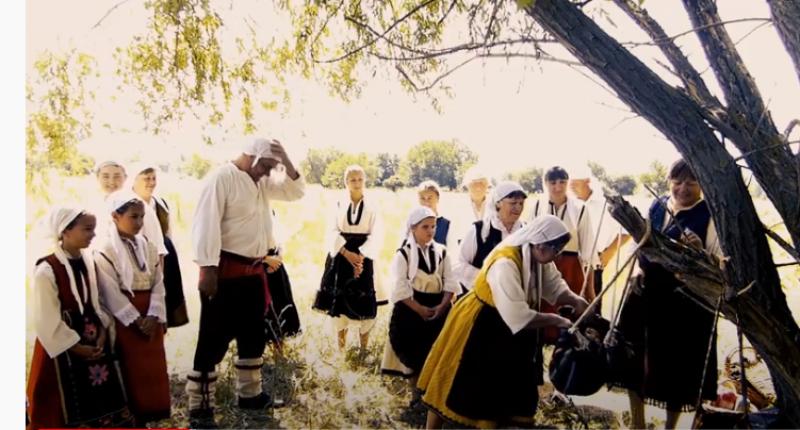 Приятно гледане! Филмът за 100-годишната сватба в Карловско дава вяра и надежда