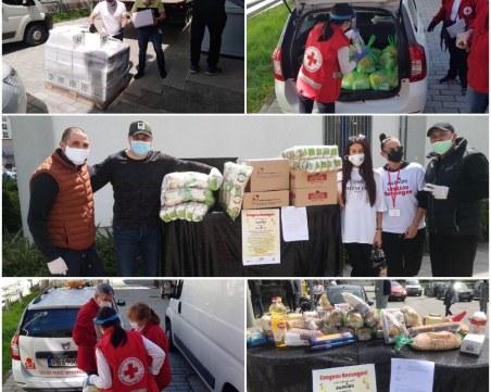 Пловдивчани получиха първите пакети с храни от кампанията