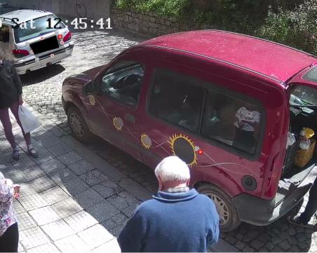 Пловдивчанин със сигнал до полицията заради продажба на наливно мляко