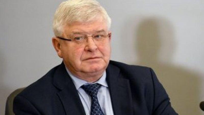 Здравният министър забрани дейностите по асистирана репродукция