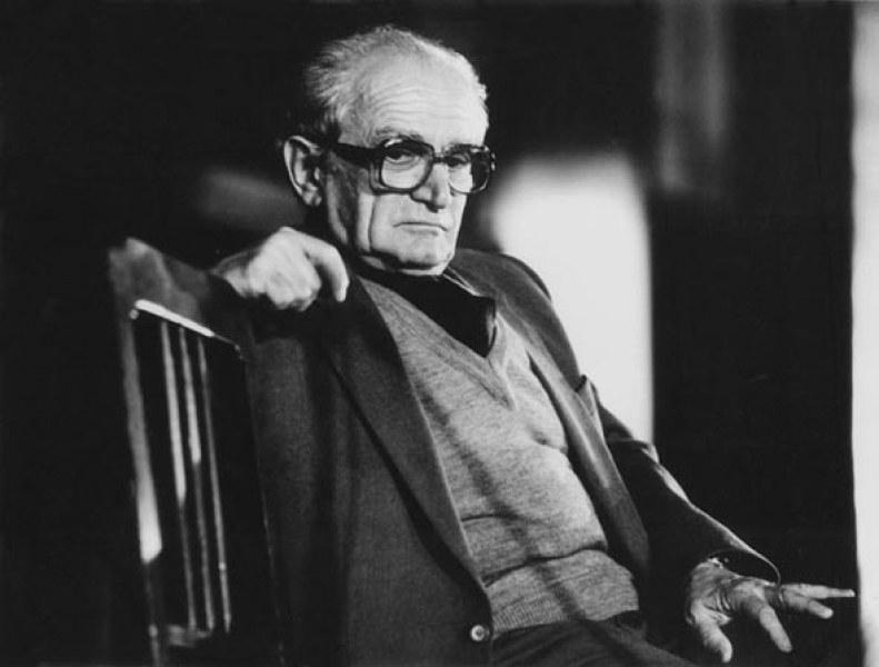 Навършват се 100 години от рождението на Валери Петров