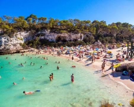 Ибиса и Палма де Майорка ще приемат туристи това лято, но НЕ и британци