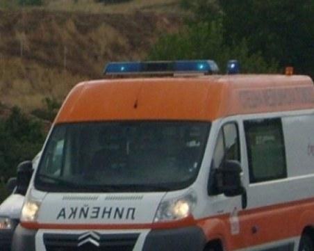 Мъж загина след челен удар между кола и ТИР