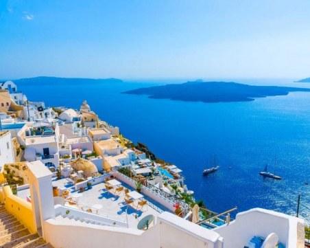 Гърция се връща към живот! Хората излизат от домовете, 1 юли искат старт на летния сезон