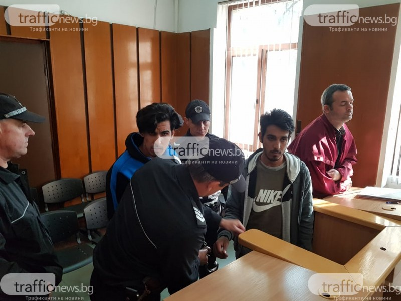 Ромите, пребили командос във Войводиново, пак в издънка- псуват полицаи, не носят маски